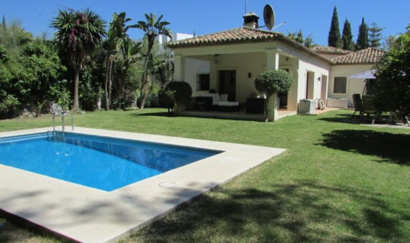 nueva andalucia long term rental villa